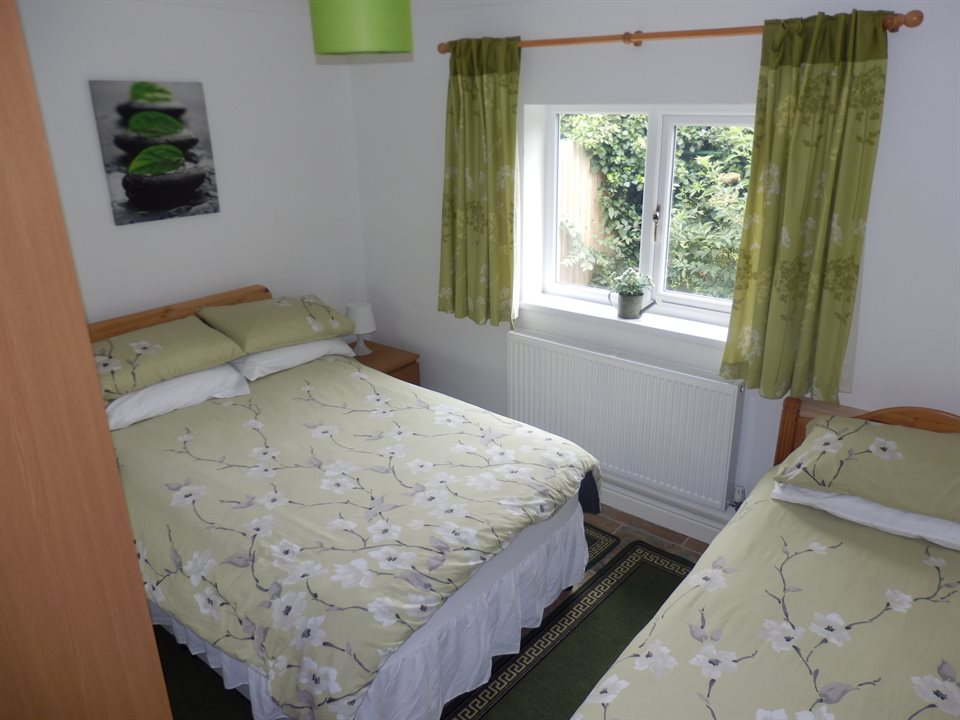 Hawthorn Lodge twin room showing 3ft single bed and 4ft small double bed